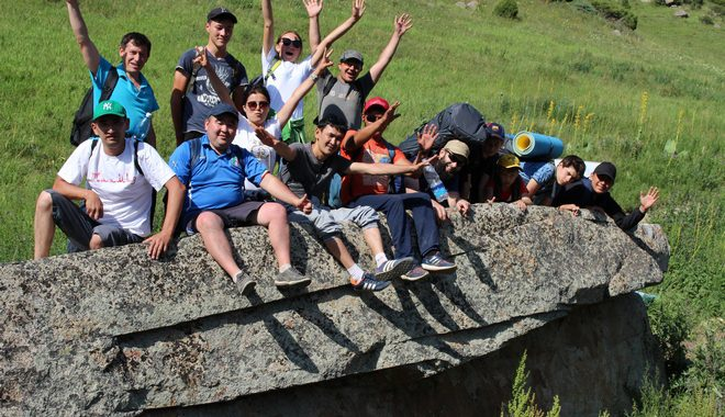 Hiking to the waterfall of Sharkaratma